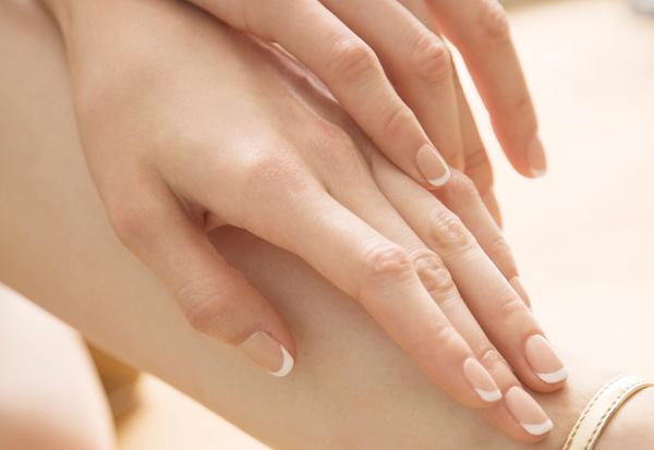 指先の痺れは単なる血行不良ではない?病気のチェック法