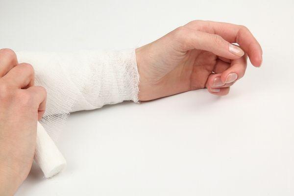 手首の痛み具合から疑うべき疾患と緩和させる方法