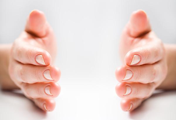 手のしびれの原因はストレスかも。7つのストレスチェック