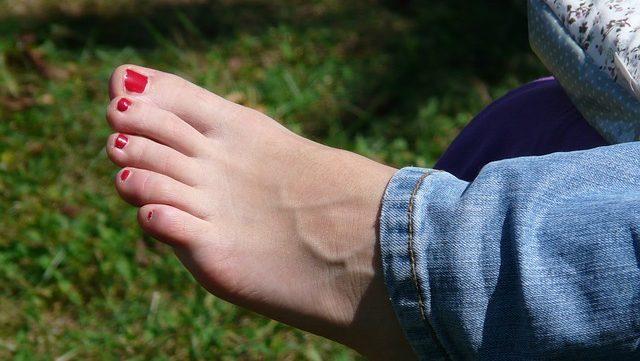 足の小指の骨折が完治するまでの期間と治療法を伝授!