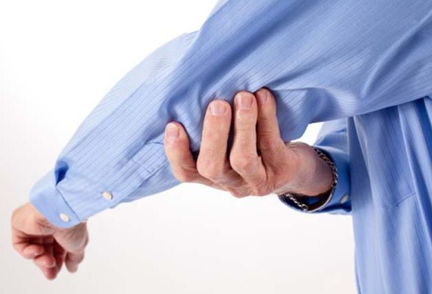 腕の痛みを引き起こす原因は?考えられる7つの疾患