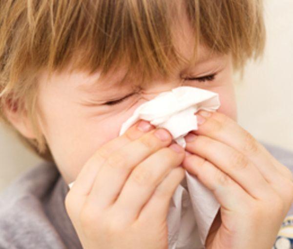 鼻血がすぐ出るのは病気?症状から見分ける7つのポイント