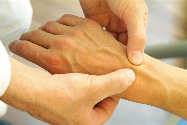 腱鞘炎の予防法!普段から心がけておきたい7つの対策