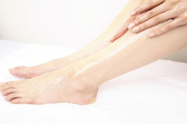 手足がしびれるのは何故?症状から疑われる7つの病気