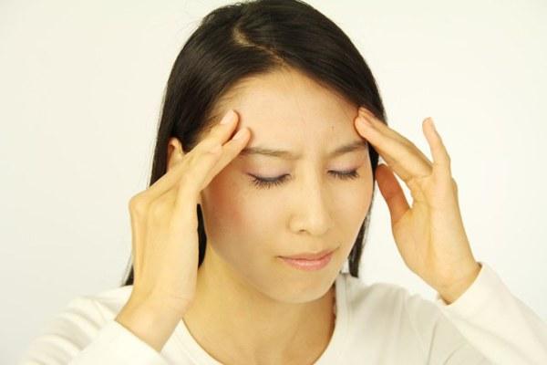 頭痛を種類別に解消!薬を使わず治す7つの対処法