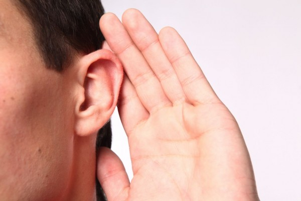 耳鳴りを感じたら、気をつけて欲しい5つの病と副作用