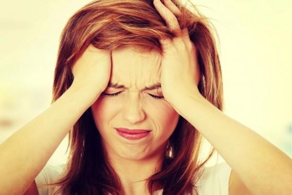 頭痛の原因がわからない時に、疑ってほしい4つの事