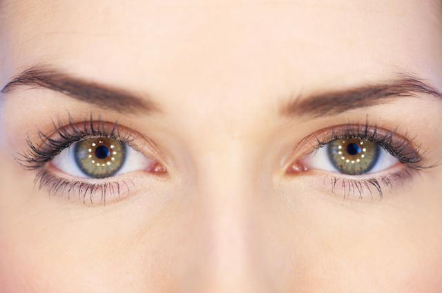コンタクトによる目の充血を防ぐために心がけたいこと